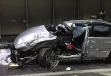 Una delle auto coinvolte nell'incidente in galleria