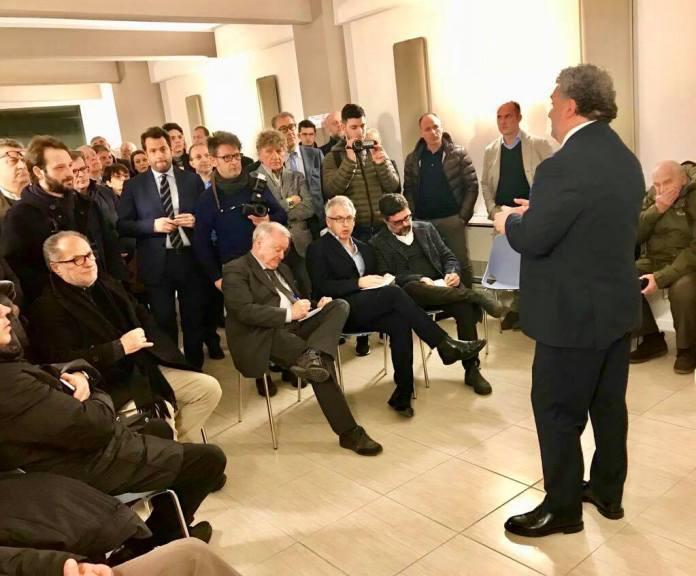 Alessandro Mattinzoli all'inaugurazione della nuova sede di Forza Italia, foto da Facebook