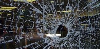 vetrina distrutta