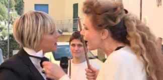 Eleonora Brigliadori mette le mani addosso a Nadia Toffa: un frame del celebre servizio mandato in onda dalla trasmissione Le Iene di Italia 1
