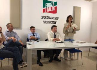Forza Italia: da sinistra Mattia Margaroli, Paolo Fontana, Adriano Paroli, Alessandro Mattinzoli e Mariastella Gelmini, foto BsNews