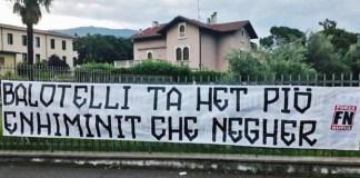 Lo striscione di Forza Nuova Brescia contro Mario Balotelli