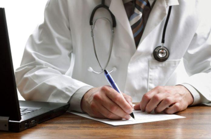 Un medico, foto generica