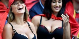 Due sexy tifose ai mondiali di calcio