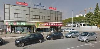 Il centro commerciale colpito dall'incendio a Desenzano
