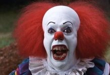Il clown del film It, tratto dal romanzo di Stephen KingIl clown del film It, tratto dal romanzo di Stephen King