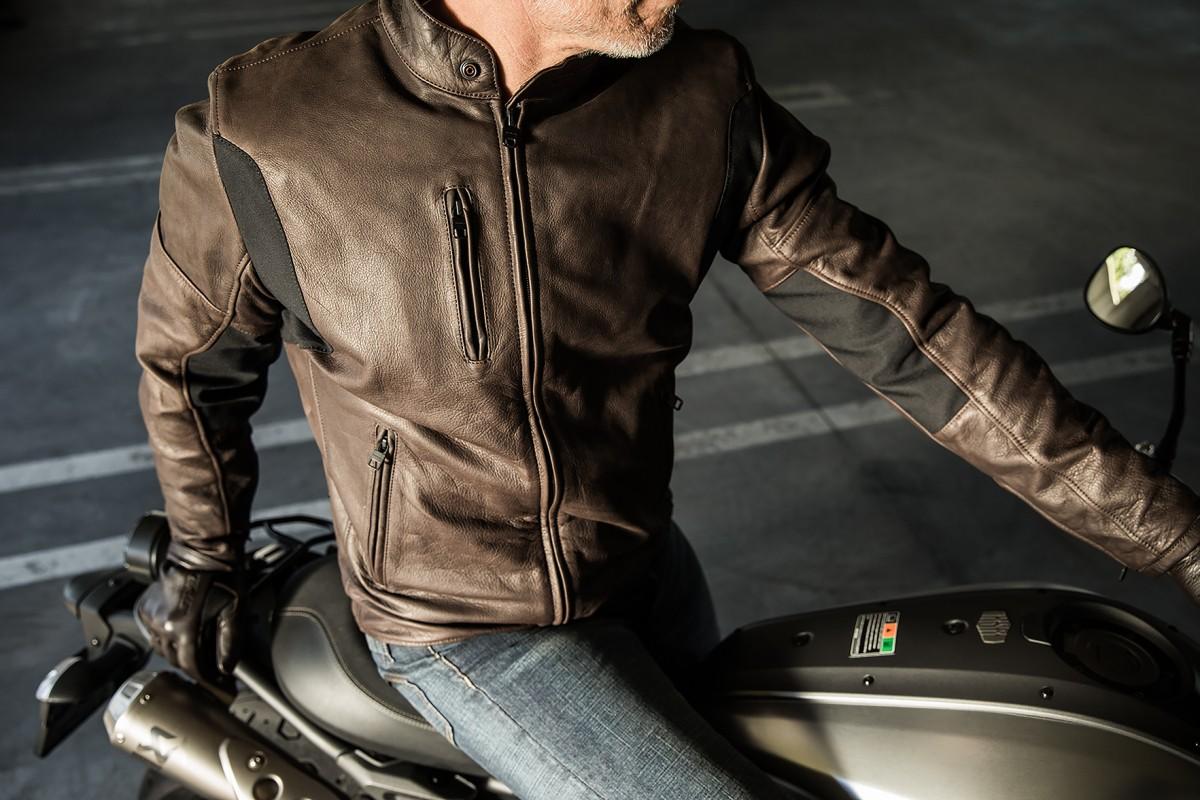 100% authentic 53580 512d0 Dal giubbotto di pelle per la moto ai guanti: l'acquisto si ...