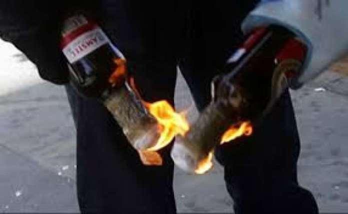 Bomba Molotov, foto d'archvio