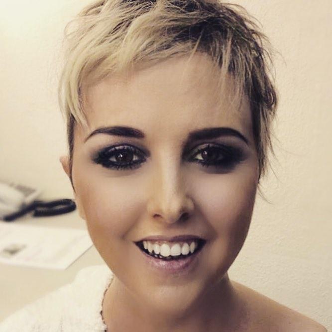 Nadia Toffa nella sua prima foto senza parrucca su Instagram
