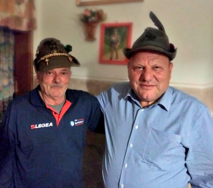 I due alpini che si sono riabbracciati dopo 50 anni