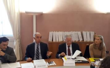 Da sinistra Ivan Losio (Sei Consultin), Riccardo Paternò (Fondazione EY), Pier Luigi Streparava (presidente Fondazione Comunità Bresciana) e Laura Rocco