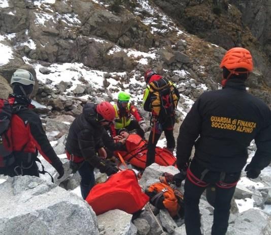 Gli uomini del soccorso alpino in azione