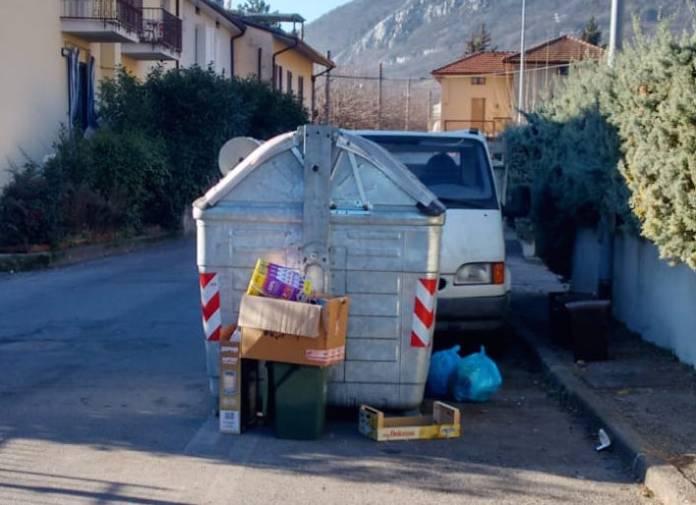 Rifiuti abbandonati a Botticino - foto da ufficio stampa Comune Botticino