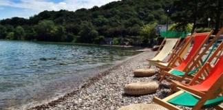 La spiaggia del Chiosco Madai di Lonato nella passata gestione