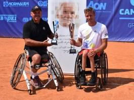 La premiazione dell'ultimo Camozzi Open di tennis in carrozzina - foto Antonio Di Leo