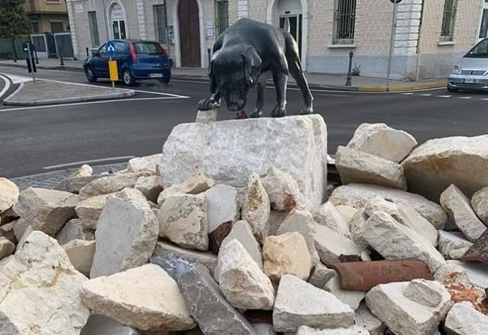 Il monumento a Ghedi - foto da Facebook: GHEDI le voci di dentro!