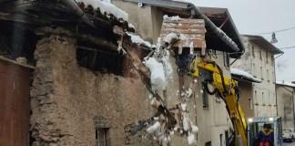 Cede il tetto di una casa - Treviso Bresciano - foto da provincia di Brescia