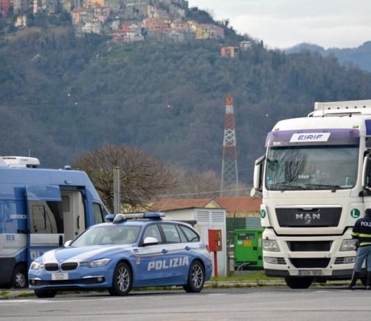 Controlli della Polizia stradale - foto da questura di Brescia
