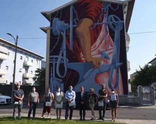 """Murales """"Il Maglio"""" di Luca Zamoc - foto da sindaco di Brescia, Emilio Del Bono"""