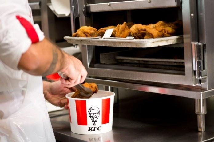 cestino di pollo KFC - Foto da ufficio stampa