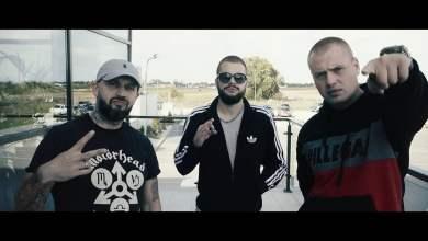 Photo of LOGO DZIELNICY Feat. JONGMEN – W KLATCE (OFFICIAL VIDEO)