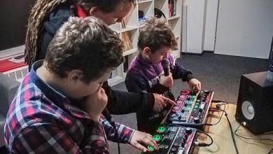 Photo of Ćwiczenia gry na Loop'erze podczas zajęć…
