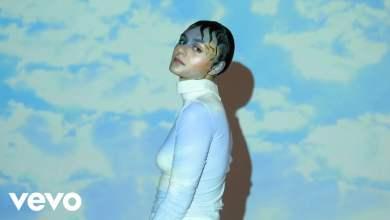 Photo of Rosalie. – Chmury
