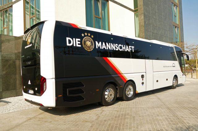 Der Teambus der deutschen Fußballnationalmannschaft.
