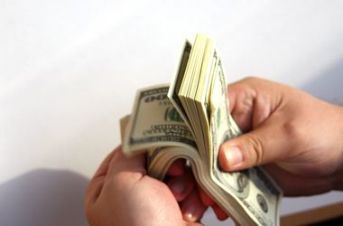 Lawyer explained how NBU currency restrictions will affect business