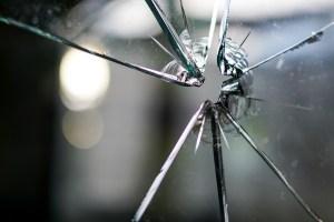 glass-1497227_1280