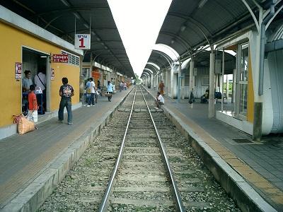 南国の国鉄駅