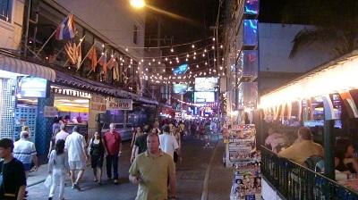 タイ王国バンコク夜の街角