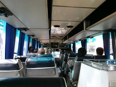 タイ王国の長距離バス車内