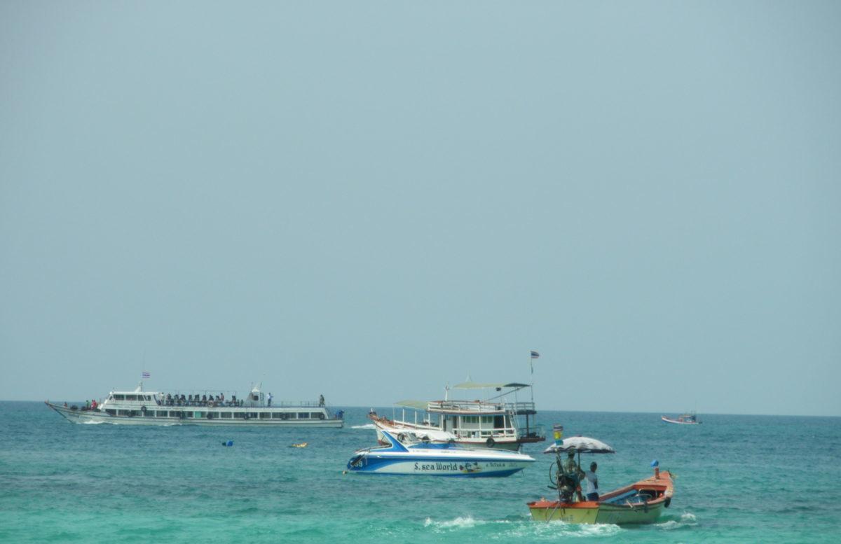 タイ王国パタヤのラン島上陸風景