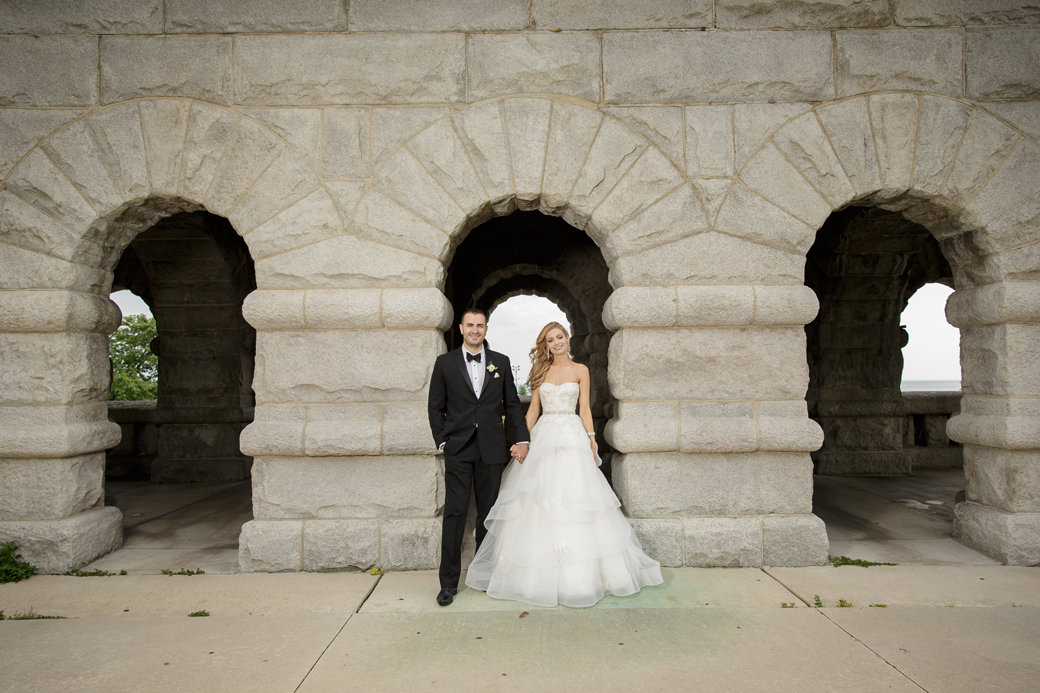 Wedding Photos   Monique Lhuillier Bridal Gown   Cafe Brauer   Chicago Wedding   Bubbly Moments