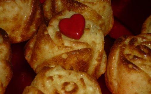 Retete Culinare - Mini-pascute cu branza dulce