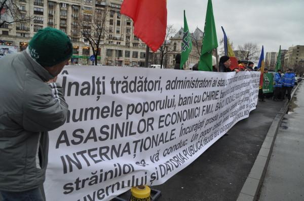 nationalistii au pichetat sediul fmi