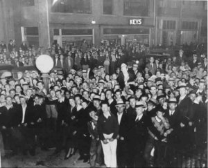 Local crowd in the aftermath of Floyd's death (photo by kind permission of East Liverpool Historical Society).