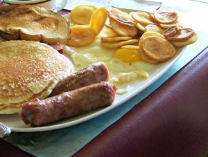 Riegelsville Fire Co breakfast; photo by L.Goldman