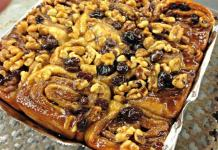 Cinnamon Buns raisin with walnuts