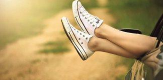 white sneakers_Pixabay_1280
