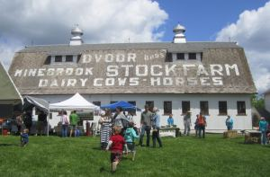 Hunterdon Land Trust Farmers Market at Dvoor Farm
