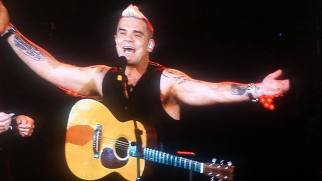 Robbie Williams live concert Bucuresti 2015 1
