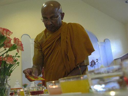 Atavisi Buddha puja | Buddhivihara.org