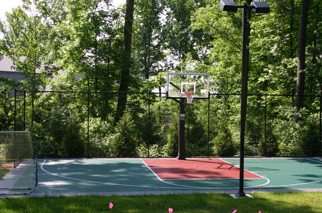 14.-Home-in-the-Woods-After-Sports-court.jpg?fit=1024%2C680&ssl=1