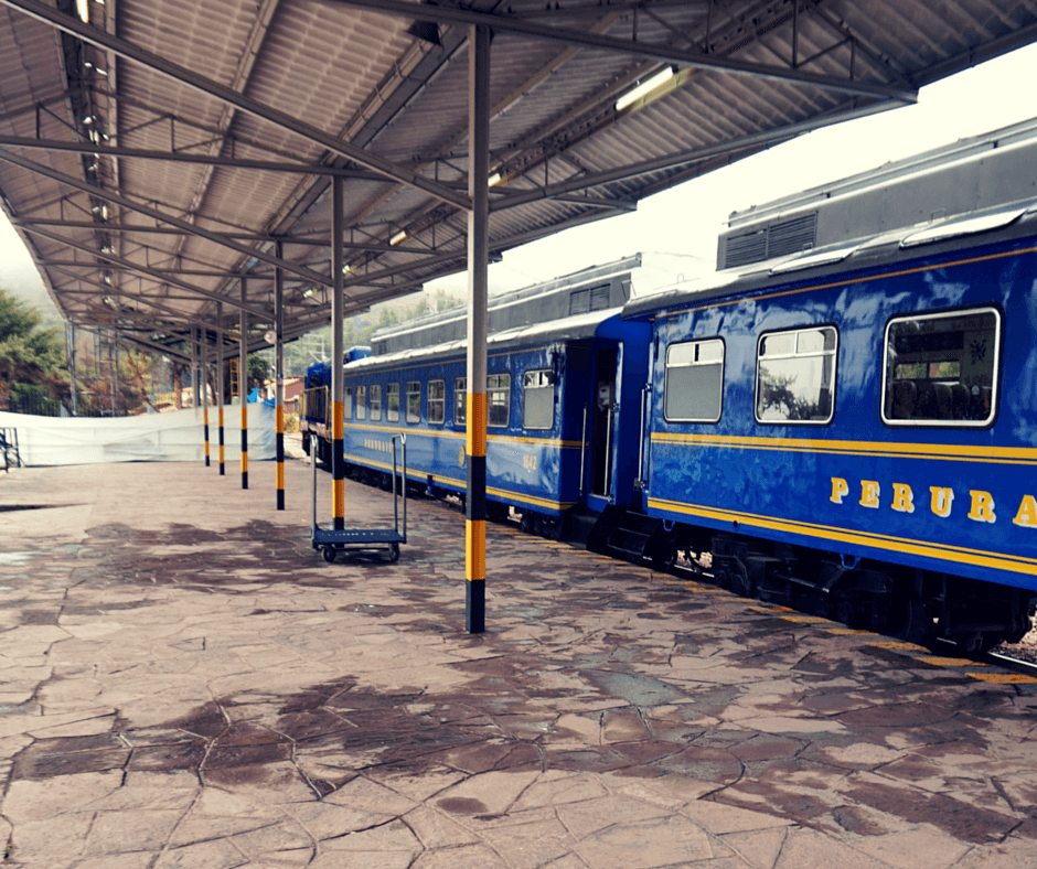 The platform of the Poroy train station