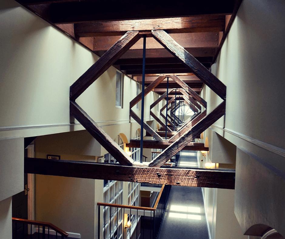Governors Inn Tallahassee wooden beams