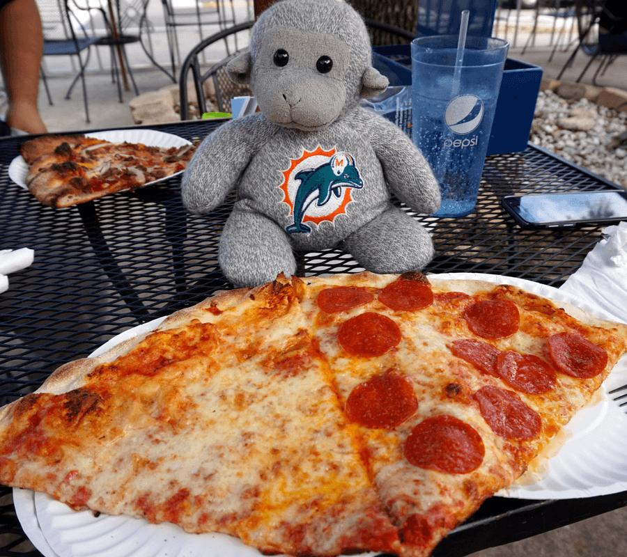 Big Lou's NY style pizza