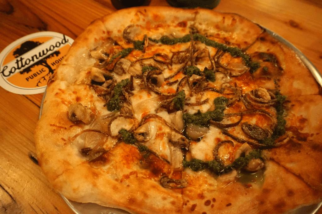 Veggie Guy Pizza at Cottonwood in Vicksburg MS