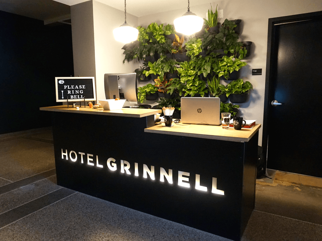 Hotel Grinnell lobby